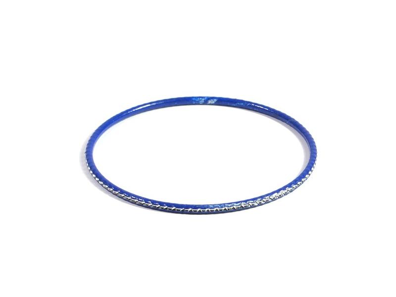 Kruhový náramek s jemným stříbrným vzorem, modrý