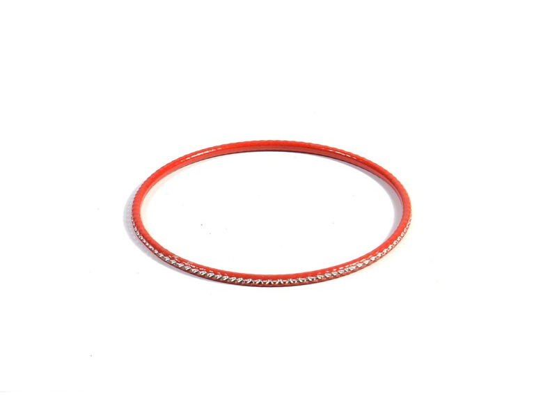 Kruhový náramek s jemným stříbrným vzorem, červený