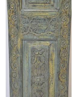Dřevěný panel se zrcadlem vyrobený ze starých dveří,, 40x3x185cm