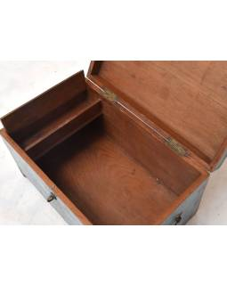 Truhla z teakového dřeva, železné kování, 61x38x35cm