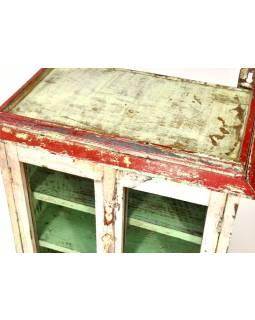 Prosklená skříňka z teakového dřeva, bílo zelená patina, 53x35x54cm