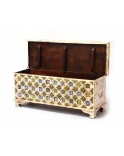 Truhla z mangového dřeva, železné kování, keramické dlaždice, 116x40x46cm