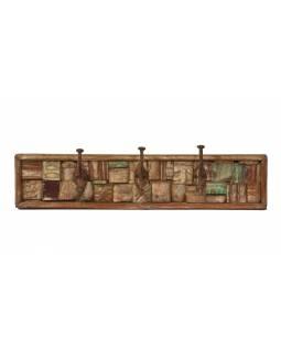 Dřevěný panel s hačky složený ze starých řezeb, 61x10x17cm