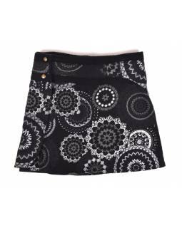 Krátká fleecová sukně zapínaná na patentky, Mandala design, černá, kapsička