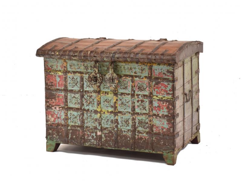 Truhla z teakového dřeva, ručně malovaná, železné kování, 80x53x63cm