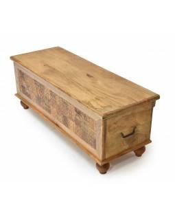 Truhla z mangového dřeva zdobená ručními řezbami, 118x43x45cm