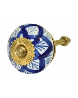 Malovaná porcelánová úchytka na šuplík, bílá, tmavě modrý dekor, průměr 3,8cm