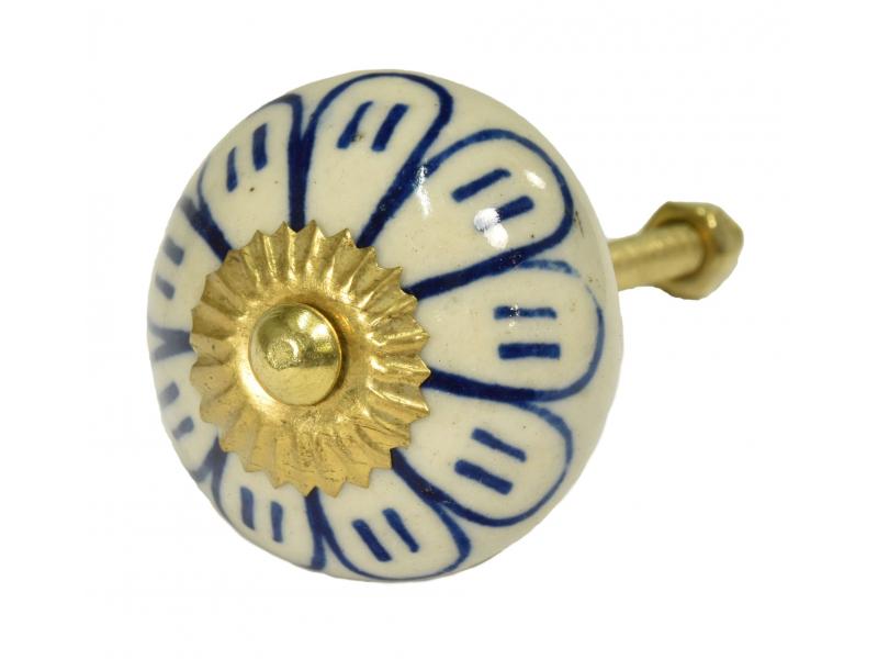 Malovaná porcelánová úchytka na šuplík, bílá, modře malovaná květina, 4cm