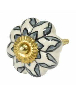 Malovaná porcelánová úchytka na šuplík, bílá s malovanou květinou, průměr 4,5cm