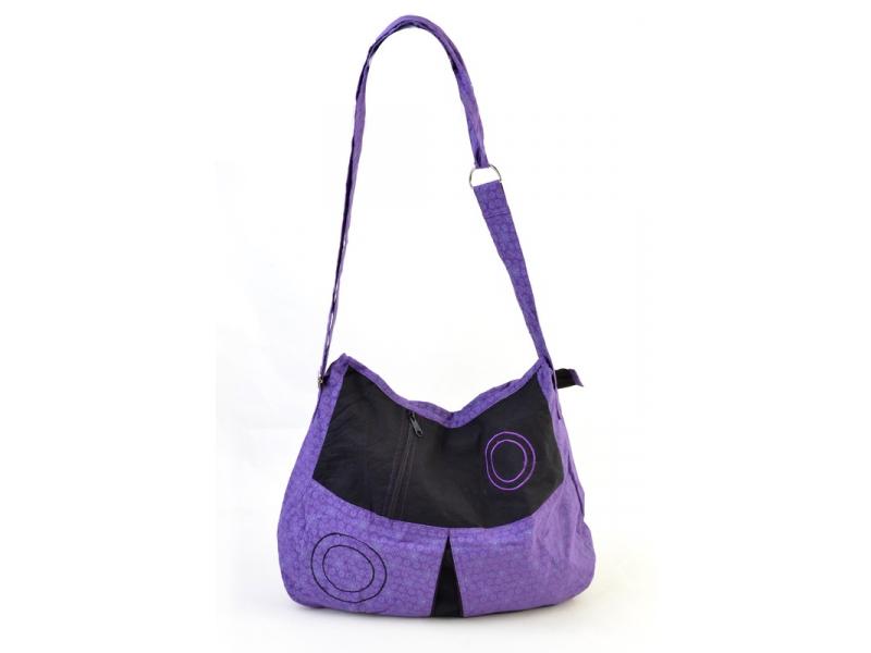 Fialová taška přes rameno s tiskem vloček a výšivkou kruhu, zapínání na zip