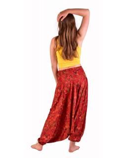 Turecké pohodlné volné kalhoty, červené s drobným paisley potiskem