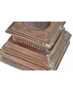 Svícen z hlavice starého sloupu, 26x26x23cm