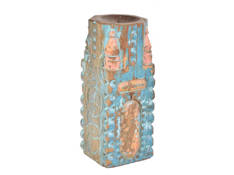 Svícen vyrobený ze starého sloupu, 17x17x42cm