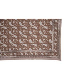 Přehoz na postel a dva povlaky na polštáře s potiskem paisley, 216x260cm