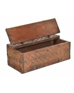Antik truhlička z teakového dřeva, ručně vyřezávaná, 28x13x11cm