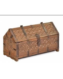 Antik truhlička z teakového dřeva, ručně vyřezávaná, 28x13x16cm