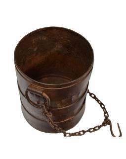 Stará kovová nádoba k zavěšení na řetězu, 19x19x21cm
