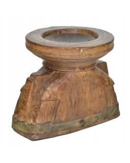 Dřevěný svícen z anti teakového dřeva, 20x15x17cm