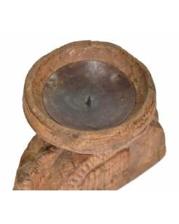 Dřevěný svícen ze staré hlavice sloupu, 20x12x18cm
