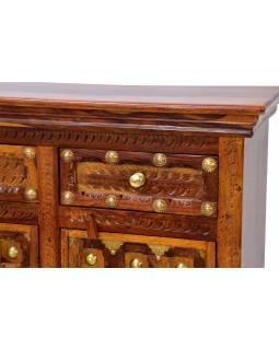 Komoda z palisandrového dřeva zdobená mosazným kováním, 120x40x90cm