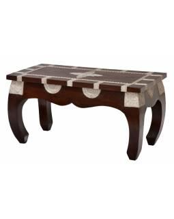 Opiový stolek z mangového dřeva zdobený kováním, 82x41x42cm
