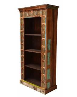 Knihovna z teakového dřeva zdobená reliéfy Buddhů, 90x40x180cm