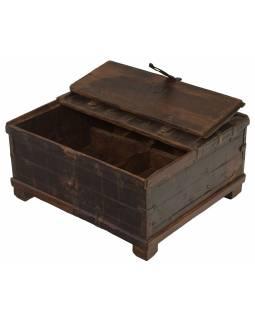Stará truhlička - šperkovnice z teakového dřeva, 30x26x15cm