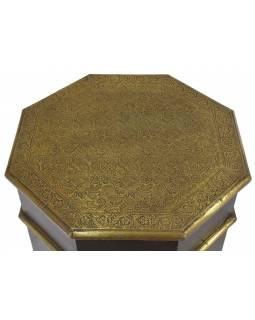 Stolička z akáciového dřeva, zdobená mosazným kováním, 45x45x56cm