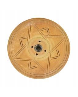 Dřevěný vyřezávaný stojánek na tyčinky, světlý, průměr 7 cm