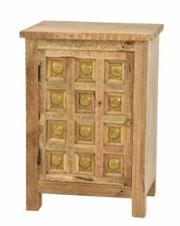 Noční stolek vyrobený z mangového dřeva, zdobený mosazí, 51x38x74cm