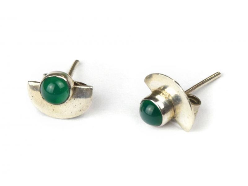 Stříbrné náušnice, pár, zelený kamínek, 8mm, zapínání na puzetu (AG 925)