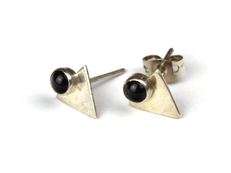 Stříbrné náušnice, pár, černý kamínek, 10mm, zapínání na puzetu (AG 925)