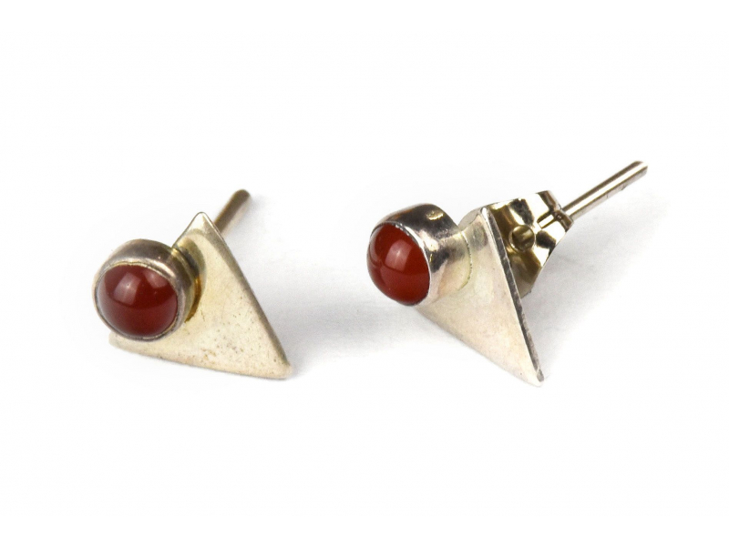 Stříbrné náušnice, pár, červený kamínek, 10mm, zapínání na puzetu (AG 925)