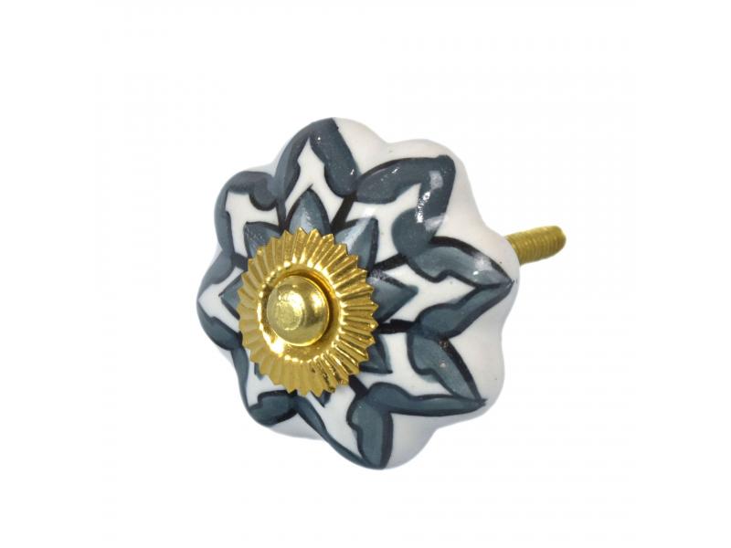 Malovaná porcelánová úchytka na šuplík, bílá, šedá květina, průměr 4,3cm