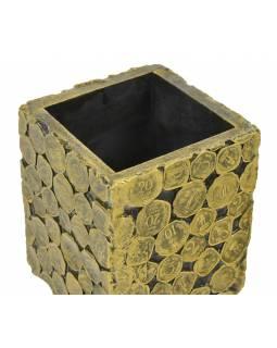 Dřevěná krabička bez víka zdobená mincemi, 10x10x13cm