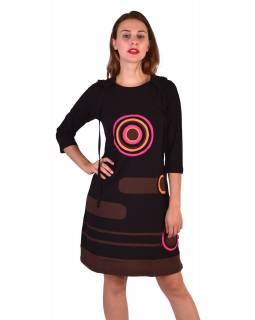 Krátké šaty, 3/4 rukáv, černé, barevné kruhy, hnědé pruhy, kapuce