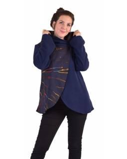 Modrý fleecový kabát s kapucí zapínání na knoflík, dvě kapsy, batika