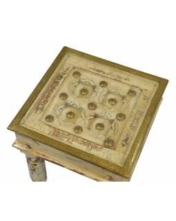 Stoleček z mangového dřeva, zdobený mosazným kováním, se sklem, 43x43x44cm