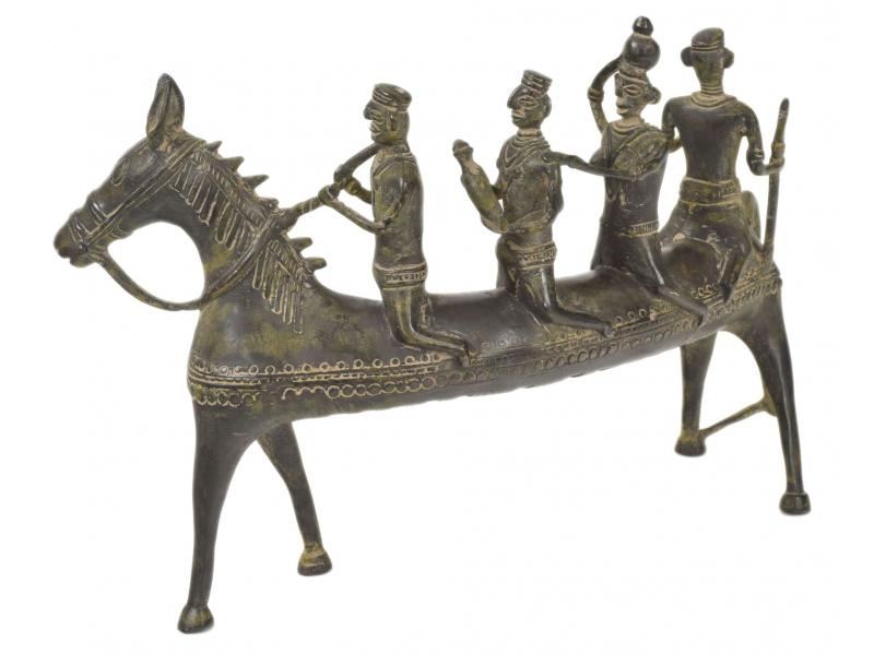 Kůň zatáčející vpravo, Tribal Art, mosazná socha, 30x10x20cm