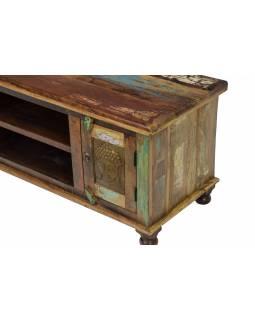 Komoda pod TV z antik teakového dřeva zdobená mosaznými Buddhy, 120x45x52cm