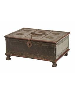 Stará truhlička - šperkovnice z teakového dřeva, 47x37x22cm