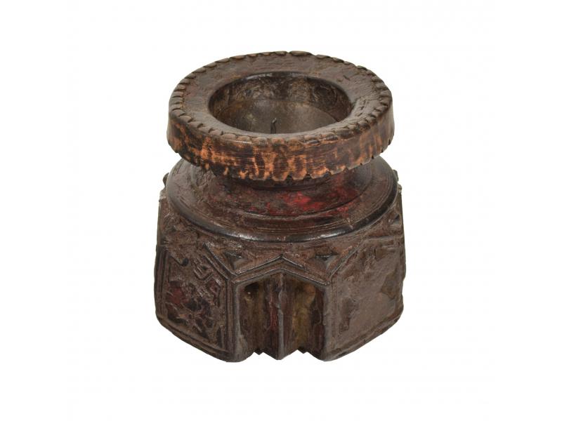 Dřevěný svícen ze starého teakového sloupu, 10x10x10cm