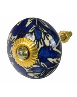 Malovaná porcelánová úchytka na šuplík, tmavě modrá, bílá květina,  průměr 4 cm
