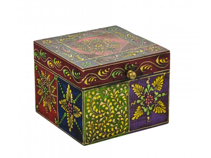 Ručně malovaná dřevěná truhlička, multibarevná 13x13x10,5cm