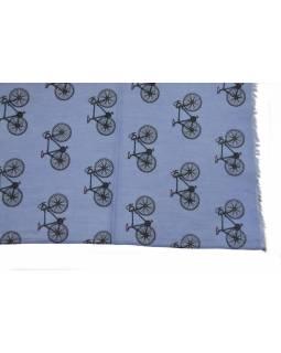 Šátek z bavlny, fialový s potiskem bicyklů, 70x180cm