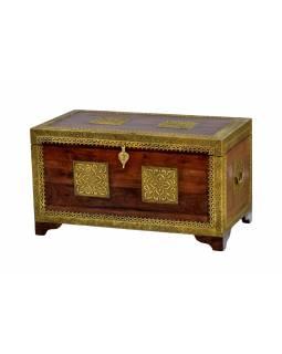 Truhla z palisandrového dřeva, zdobená mosazným kováním, 80x43x45cm