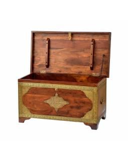 Dřevěná truhla z palisandrového dřeva, mosazné kování, 84x45x45cm