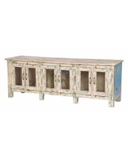 Prosklená skříňka z teakového dřeva, růžovo tyrkysová patina, 177x45x63cm