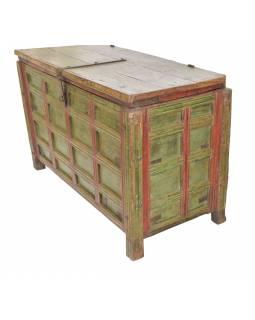 Stará truhla z teakového dřeva, ručně malovaná, zdobená kováním, 131x61x83cm