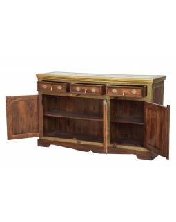 Komoda/příborník z palisandrového dřeva zdobená mosazným kováním, 160x45x90cm